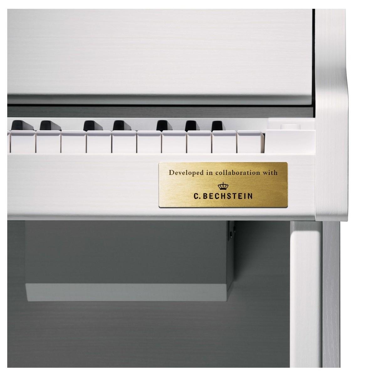 Casio GP-300WE Grand Hybrid Piano keys
