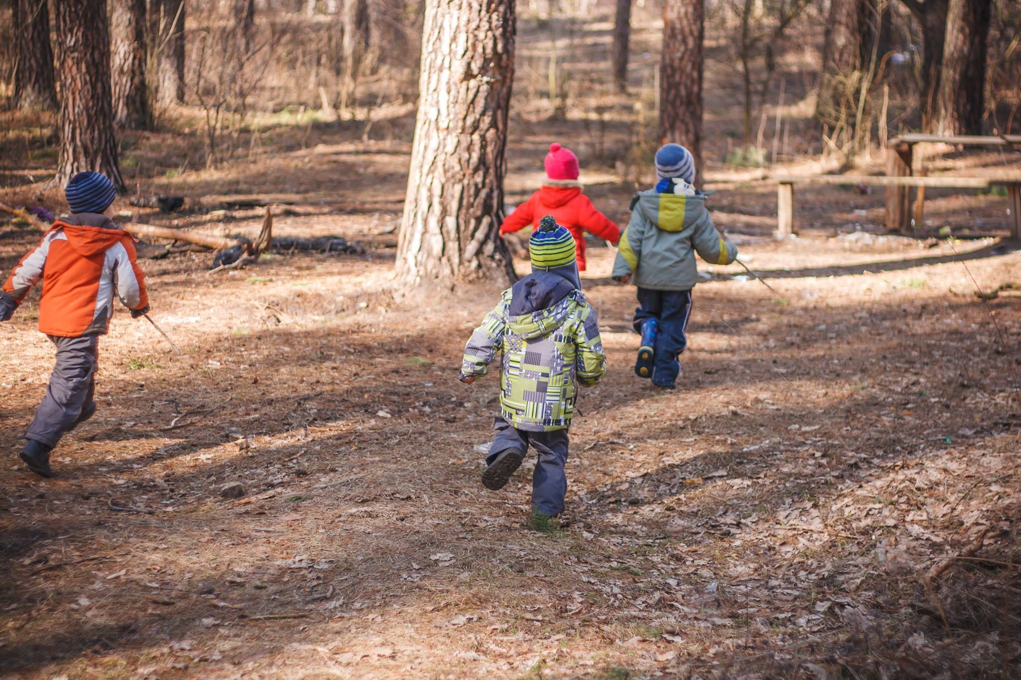 Why it's so important that children play outdoors