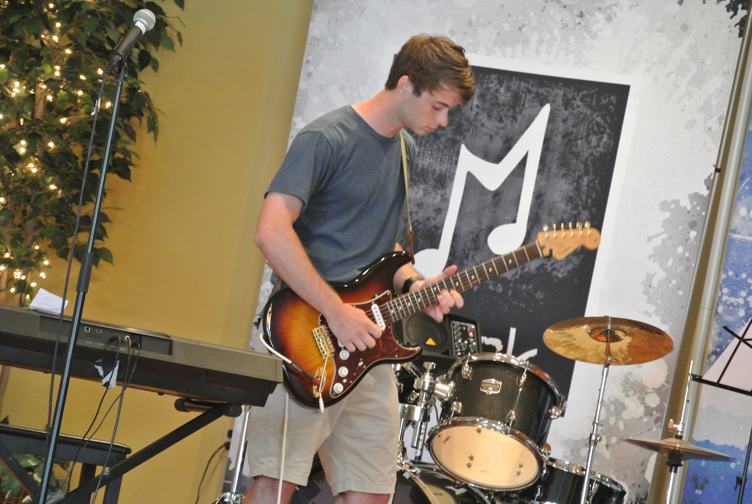 main line guitar bass drum rock band lessons in-home music lessons Meridee winters school of music