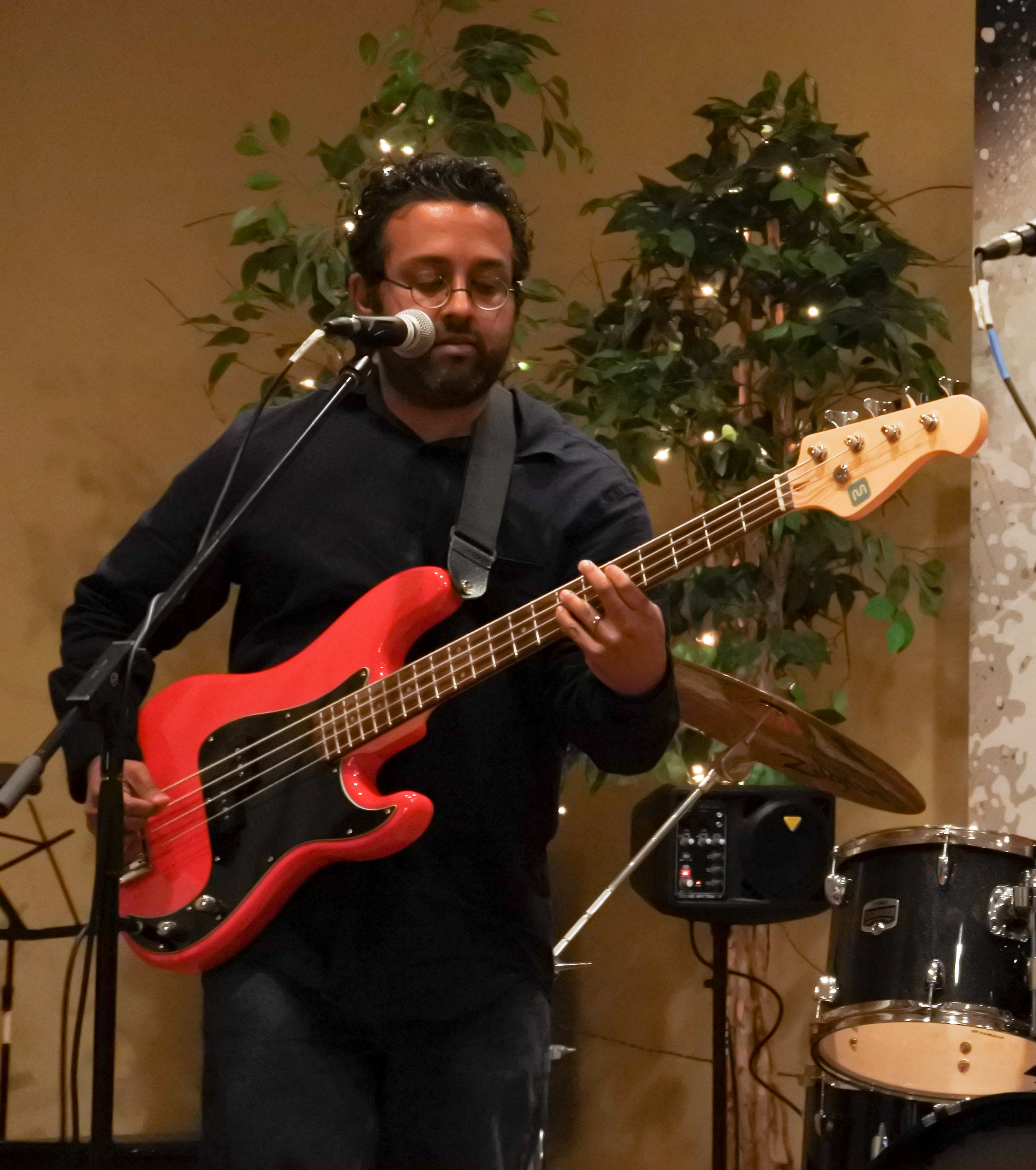 bass guitar drum lessons music main line pa