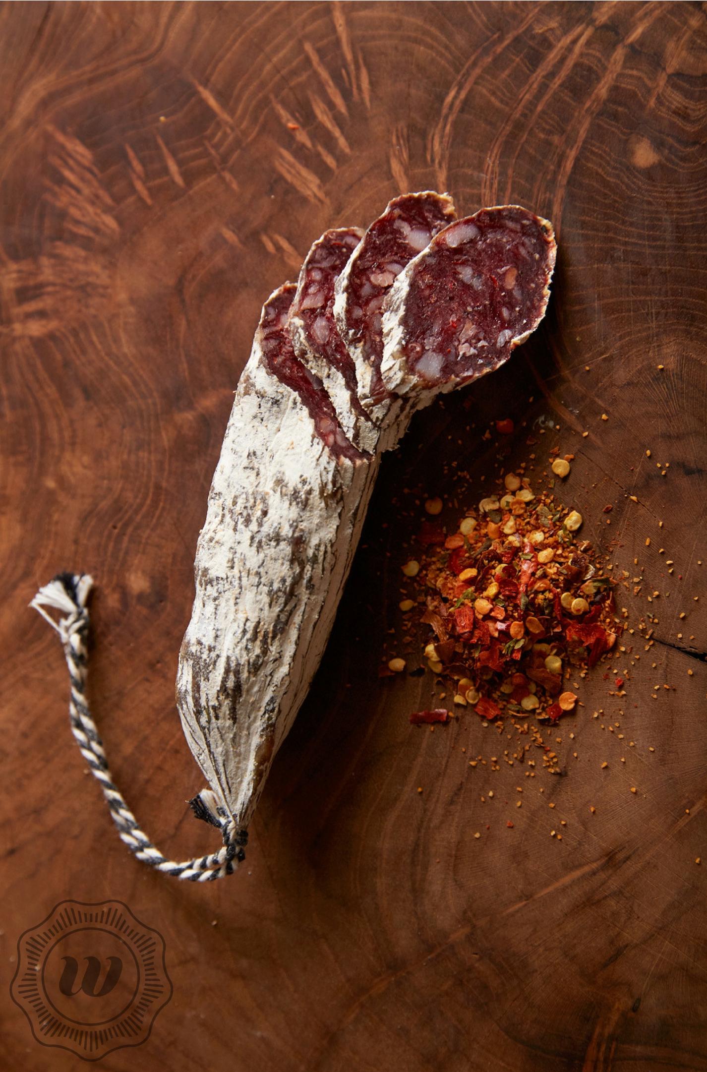 Droge worst van hert, rode wijn en chili - Onze droge worsten worden ambachtelijk gemaakt en gedroogd.