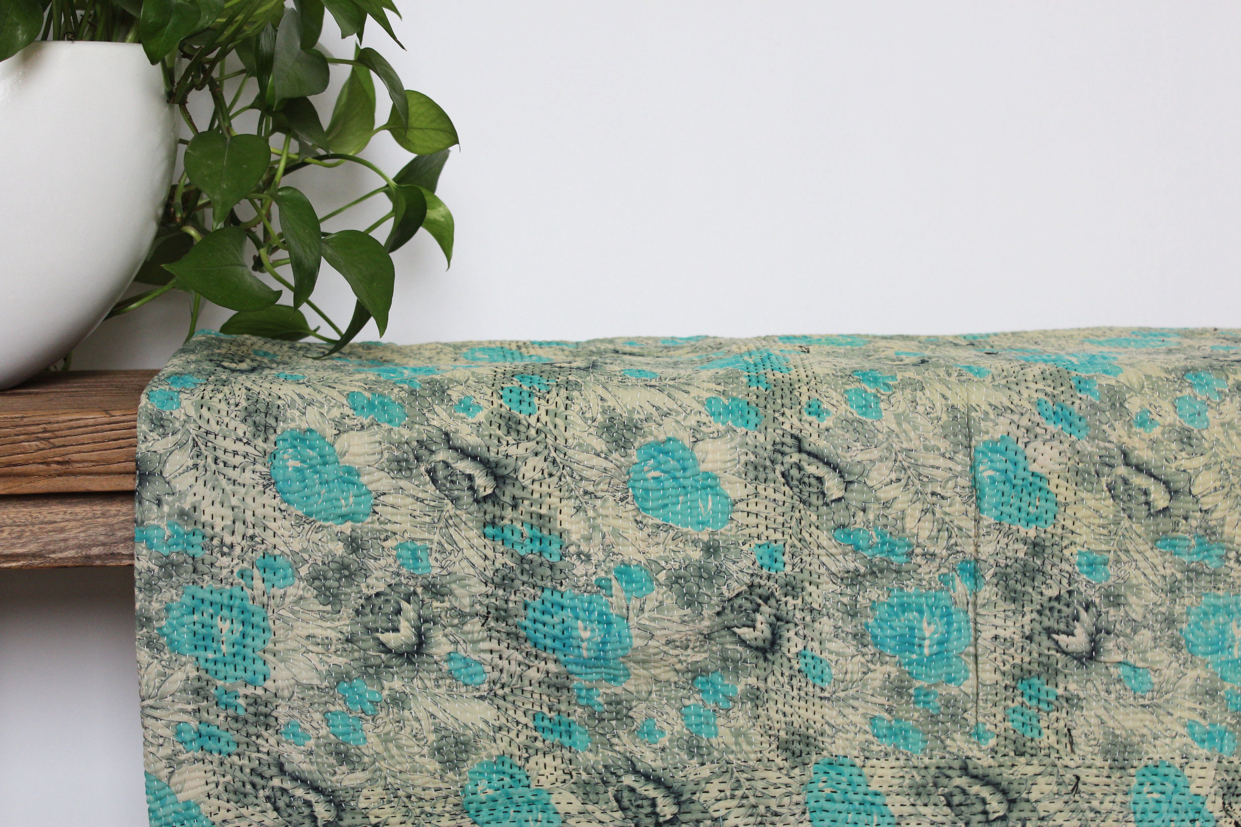 'Polly' - Kantha Quilt   - vintage kantha quilt from India  - different pattern on the reverse side  - Dimensions: 134x182 cm  575 RMB