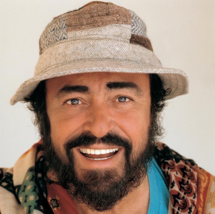 3004_171_Pavarotti_TerryONeil5.jpg