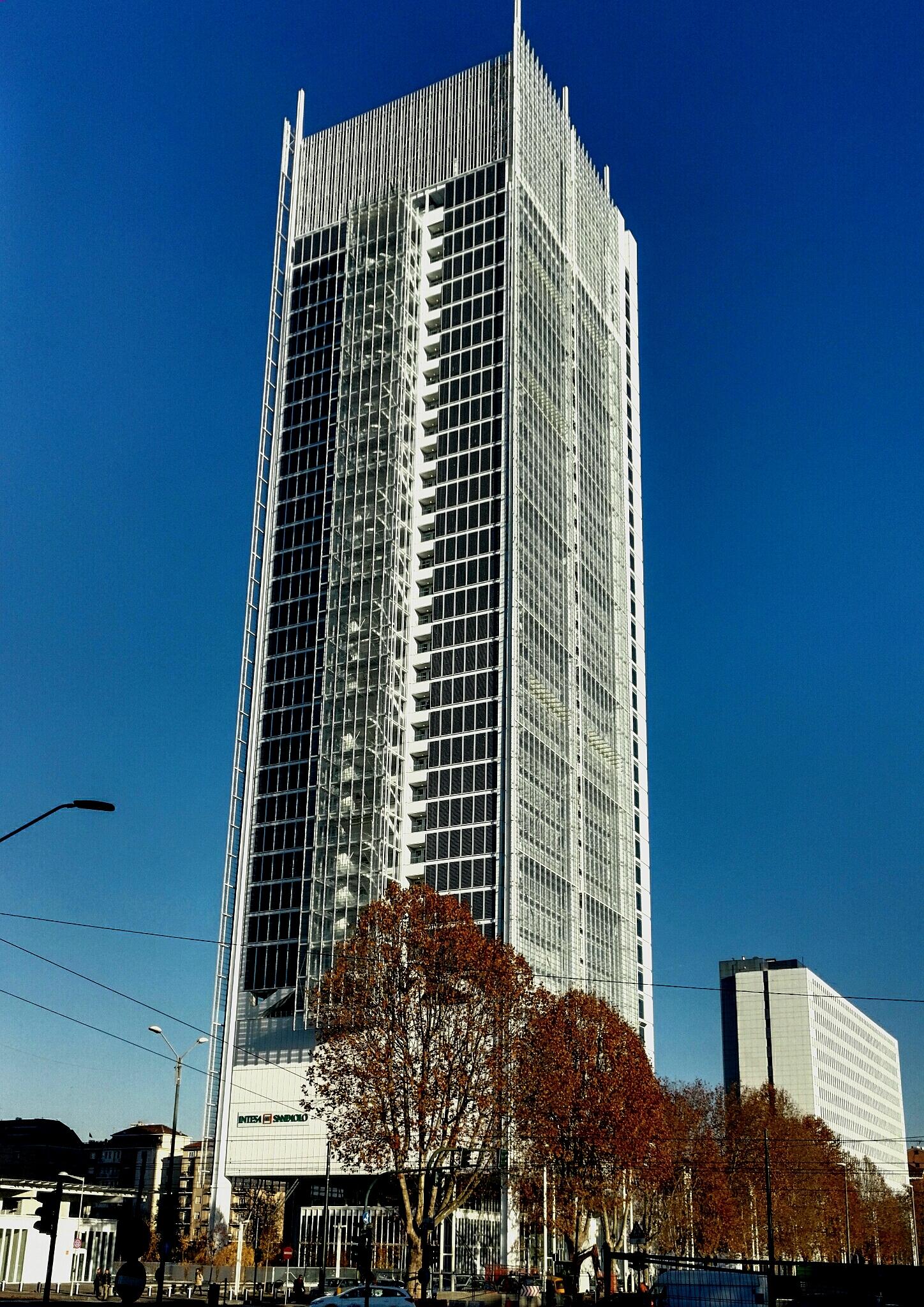 Grattacielo_Intesa_San_Paolo_-_Torino.jpg