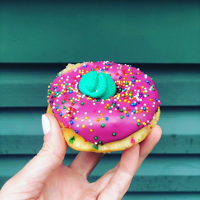 This is my type of fun{fetti}. #donutsformiles #manhattansweetsbakery