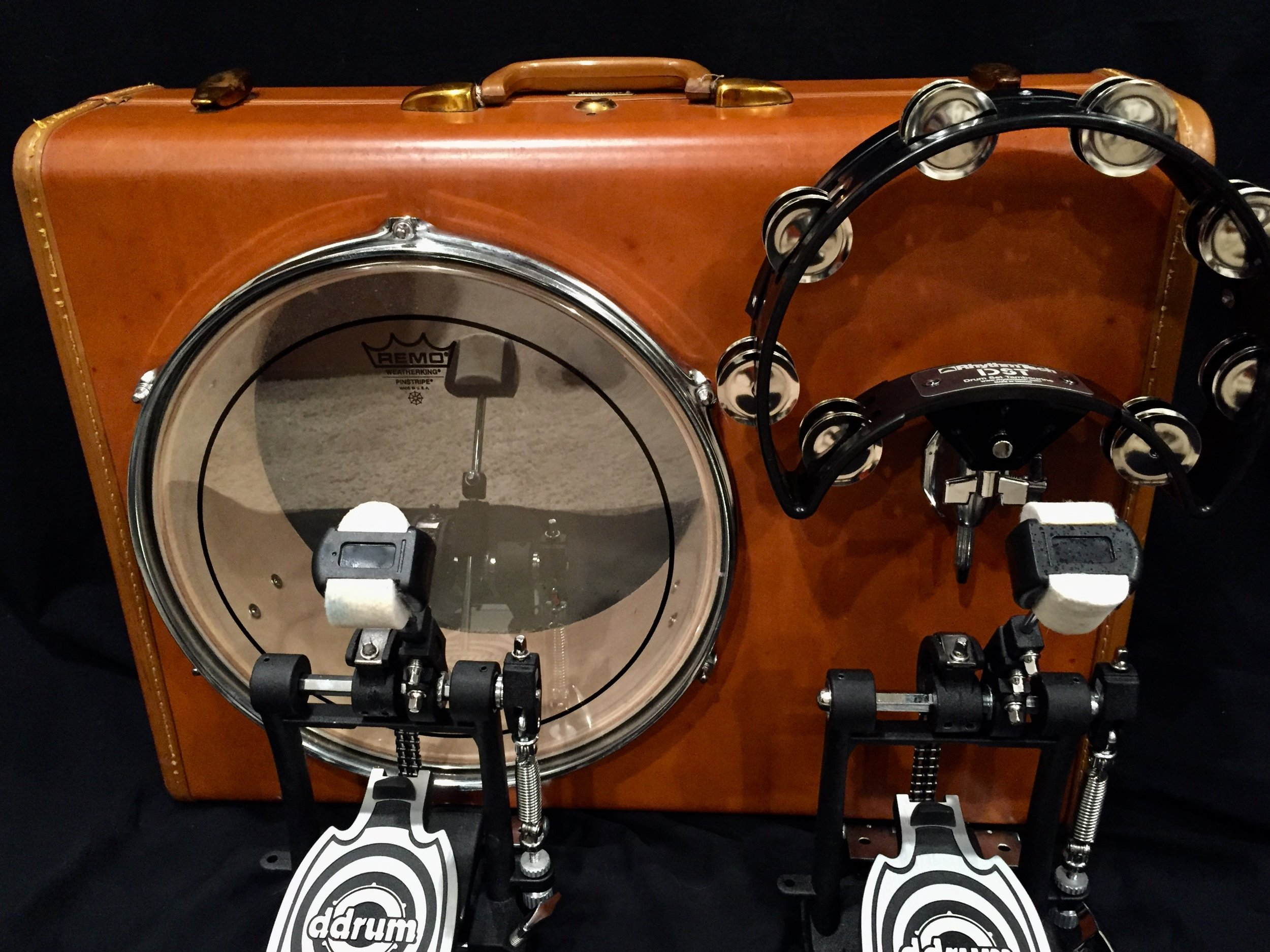 """- 13"""" vintage leatherAMAZING SUITCASE DRUM. REALLY WELL MADE. FAST SHIPPING. GREAT TRANSACTION. THANKS!GLENN C. - CALIFORNIA, MARCH 20, 2018"""