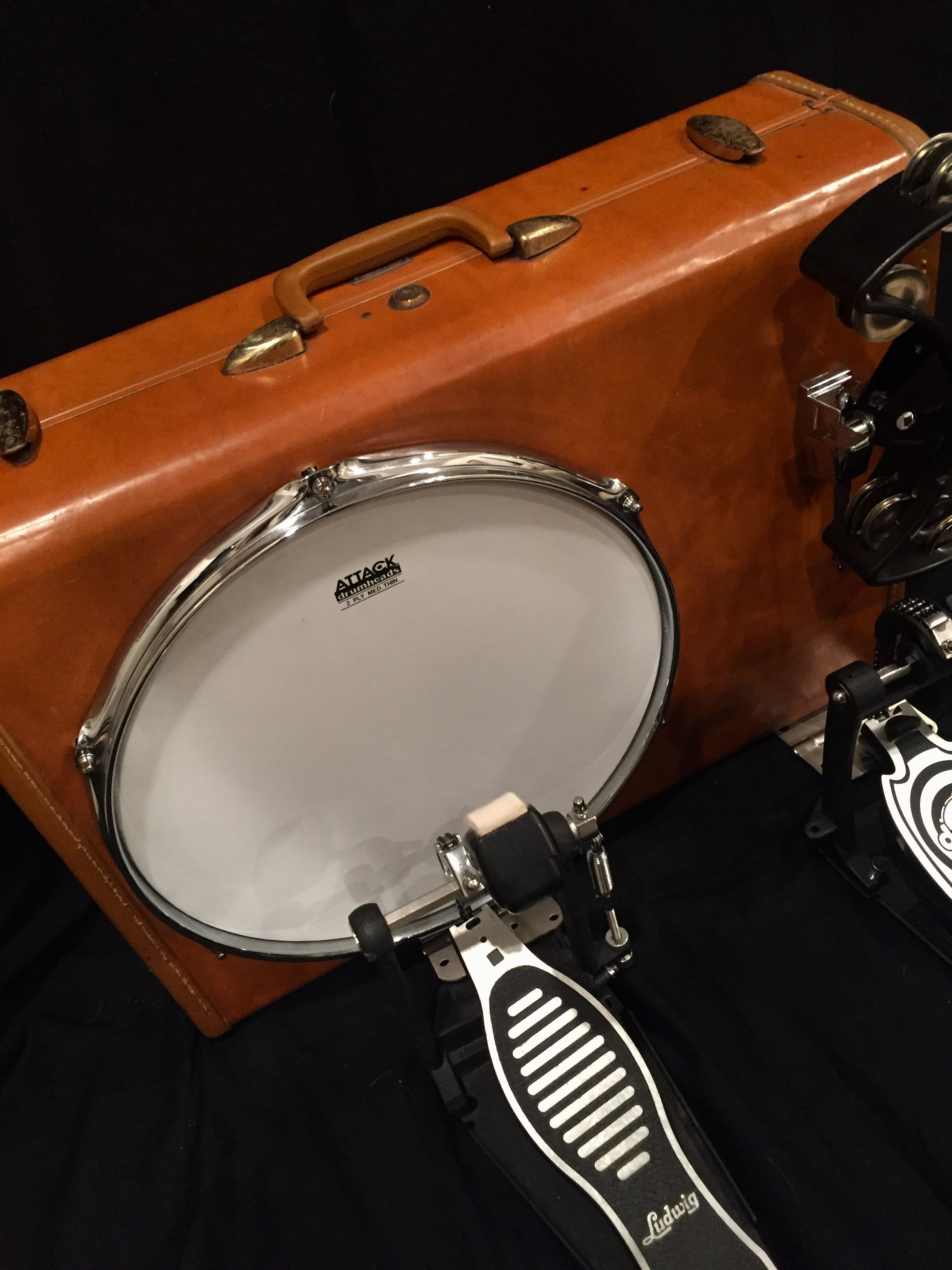 """- 14"""" vintage leatherVERY COOL CHRISTMAS PRESENT FOR THE HUBS! EXCEPTIONALLY NICE SUITCASE AND BEAUTIFULLY CRAFTED AS A BAD ASS SUITCASE KICKDRUM. SO HAPPY WITH THIS DRUM AND THE BEST CUSTOMER SERVICE!JAYNA W. - VIRGINIA, JANUARY 22, 2018"""