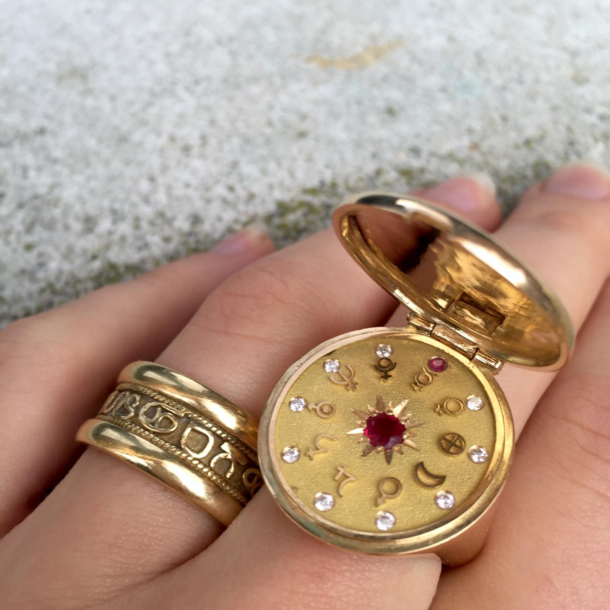 SOLAR SYSTEM //    GOLD 18K     DIAMOND & RUBY
