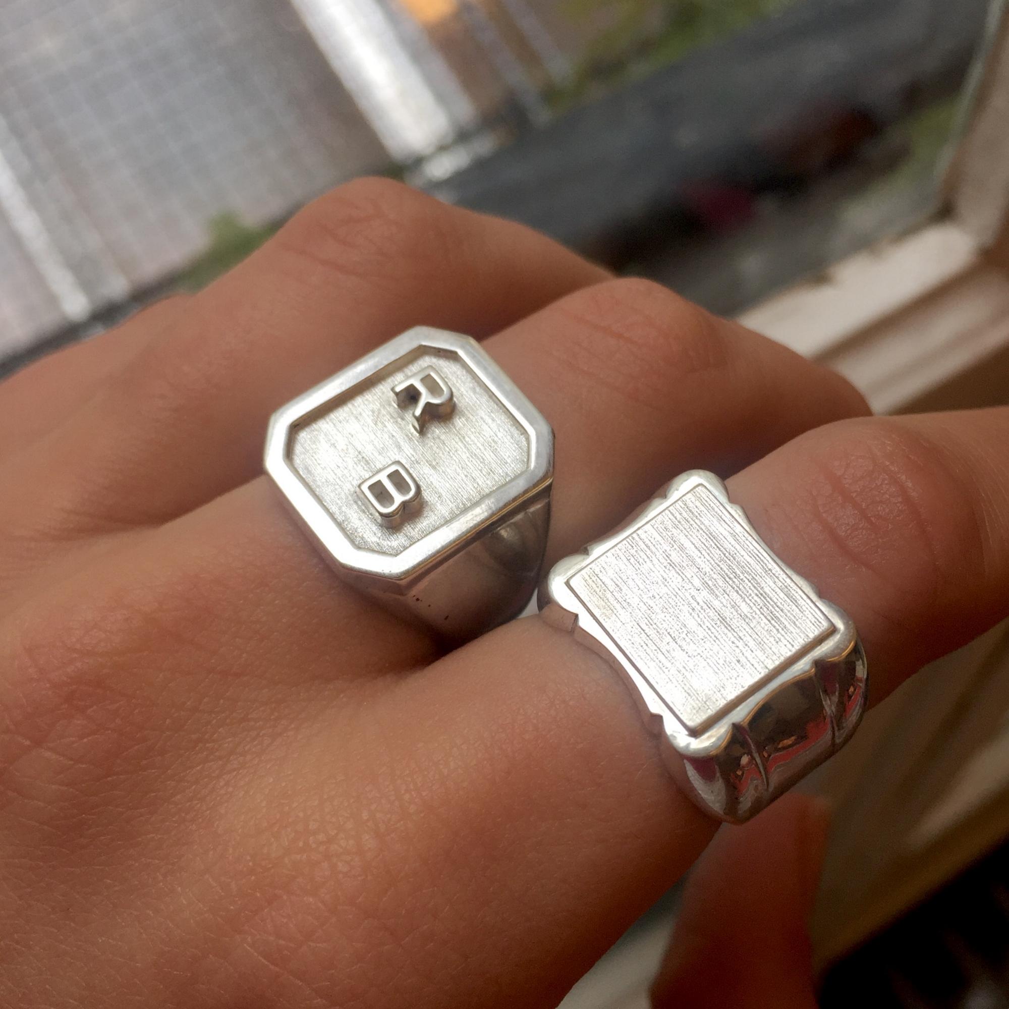 SIGNET RING // RAPHAEL.B      @ barilmanstr