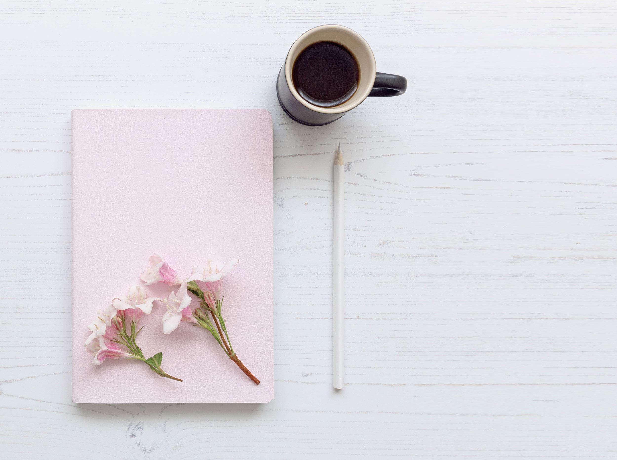 _Pink_Notebook_Coffee_Flatlay_4863_LouiseHowell.jpg