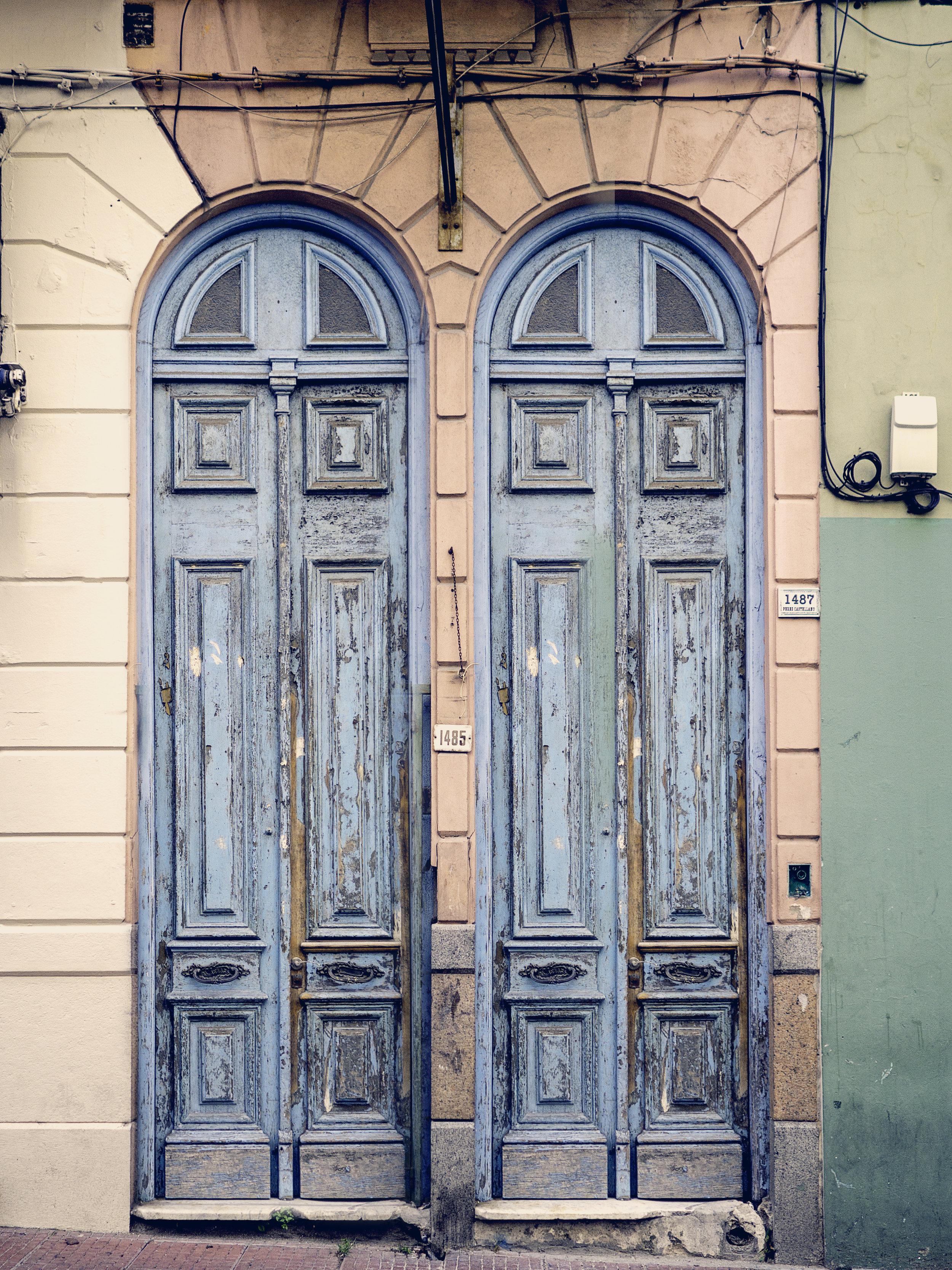 Doors_Montevideo_C010772V3.jpg