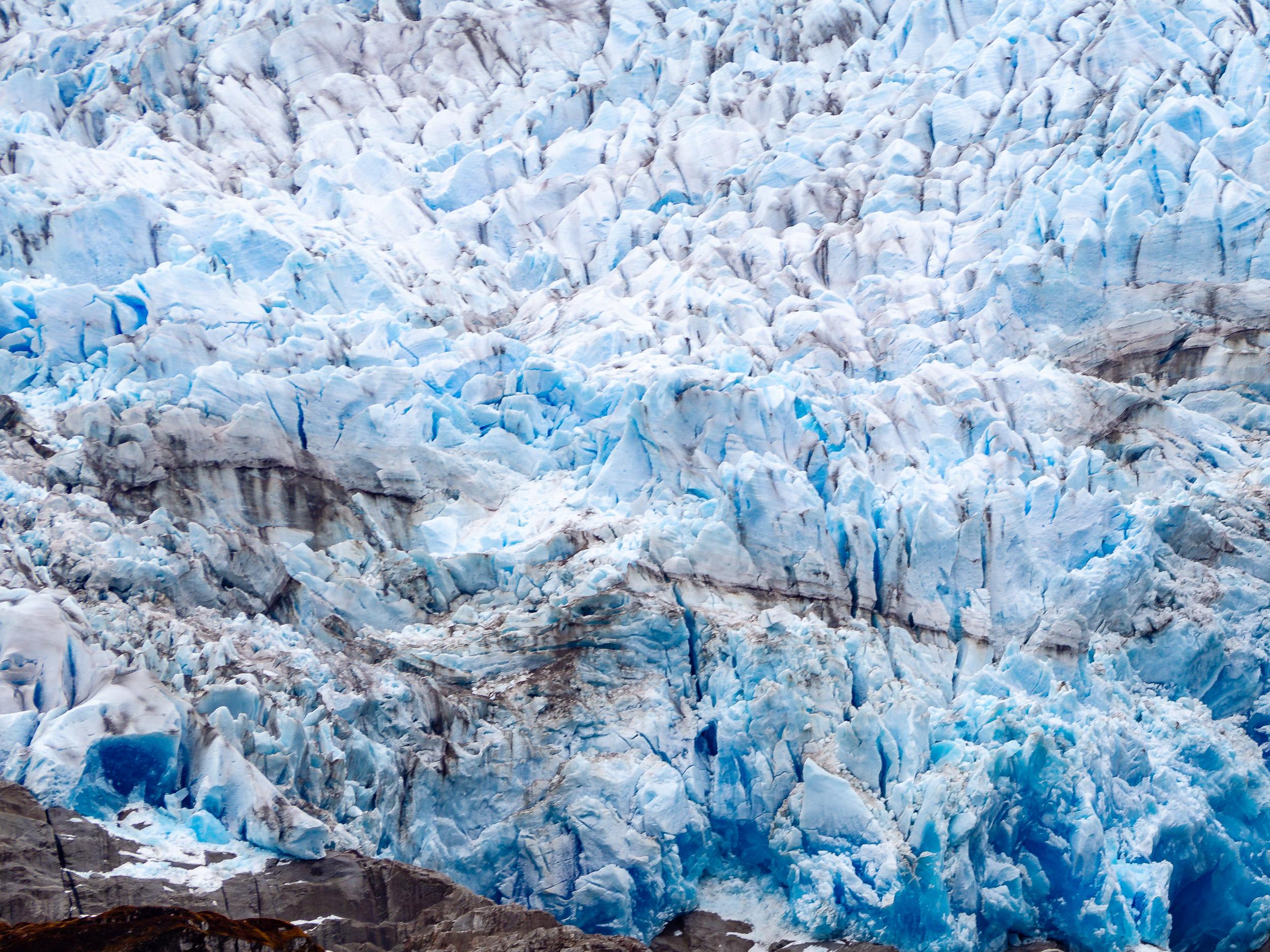 glacier-230231.jpg