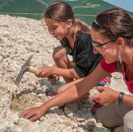 MINE D'AGATHES   Prospection, collectes de géodes, coupe de pierres