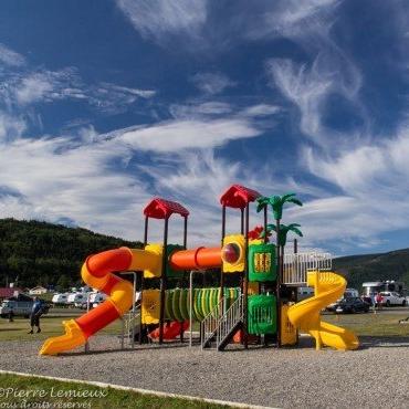 PARC ET MER   Camping, parc avec module de jeux pour enfants