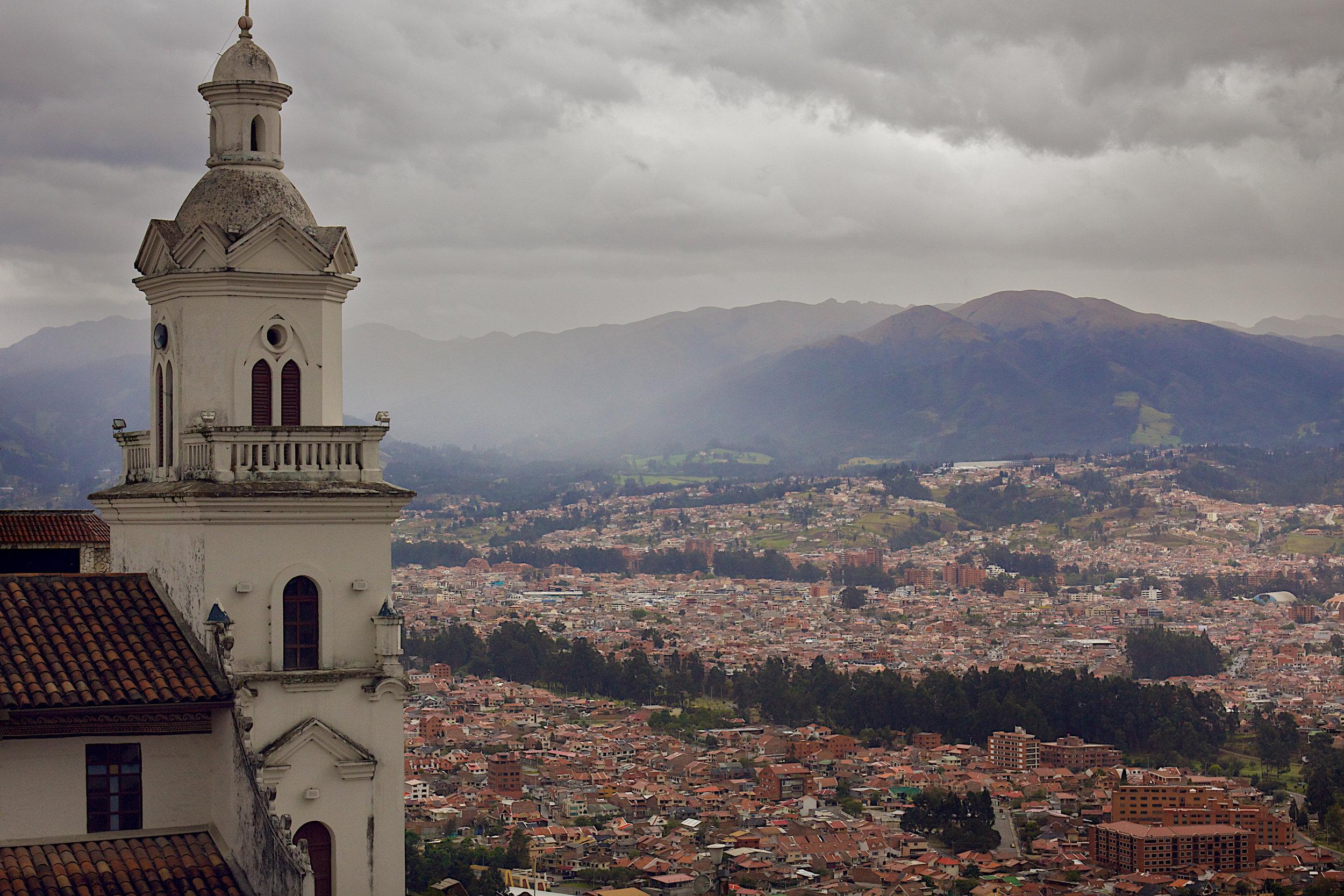 096-cuenca-town.jpg