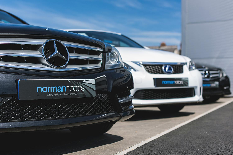 fundamental-design-car-sales-branding-design-carplates.jpg