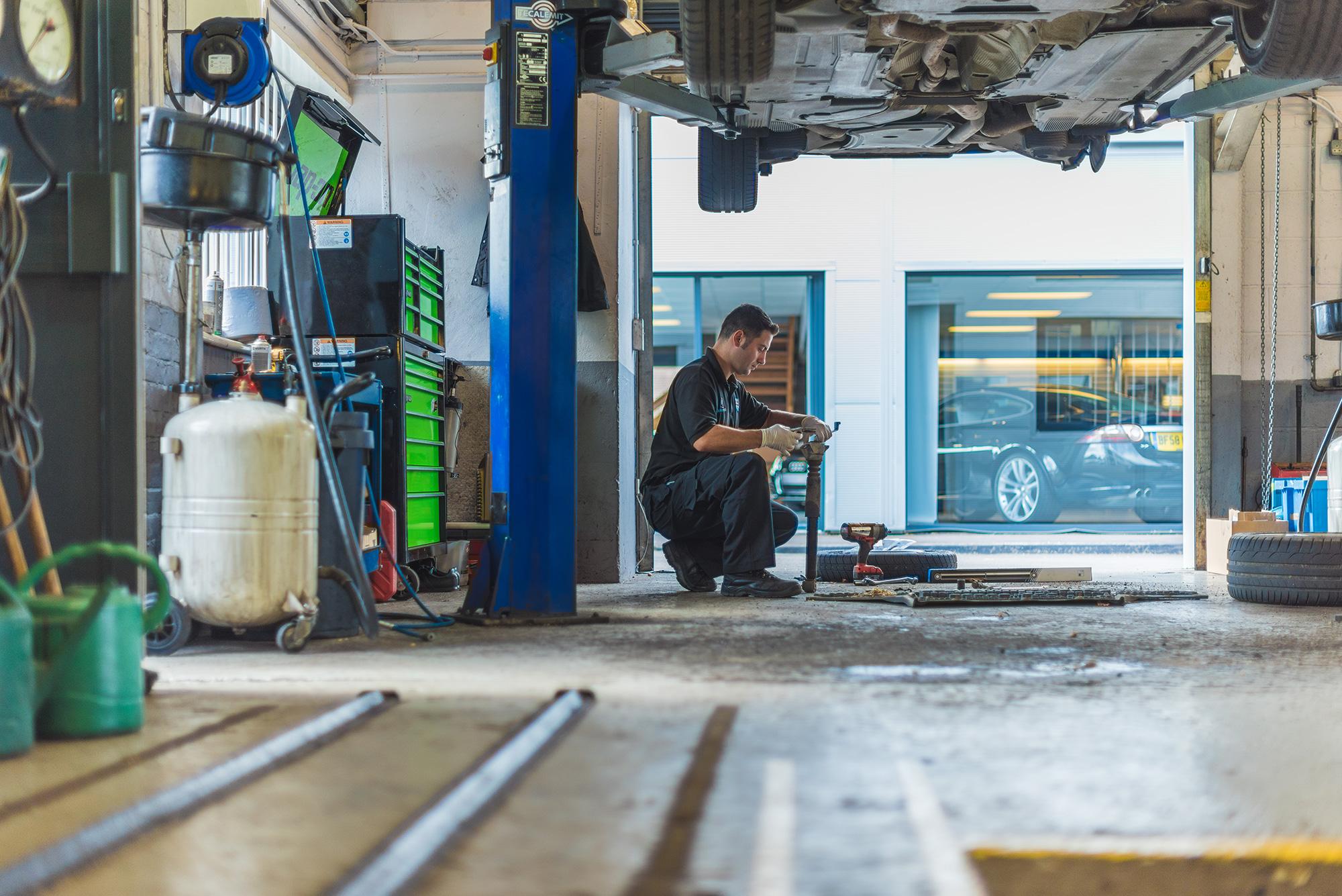 car-service-photography-garage.jpg