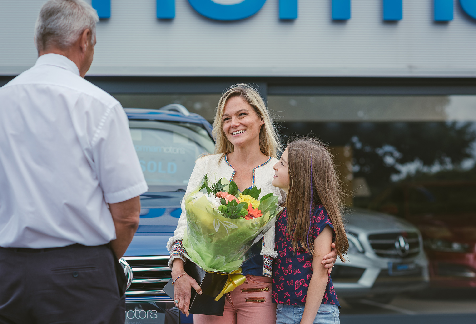 car-sales-photography-delivery.jpg