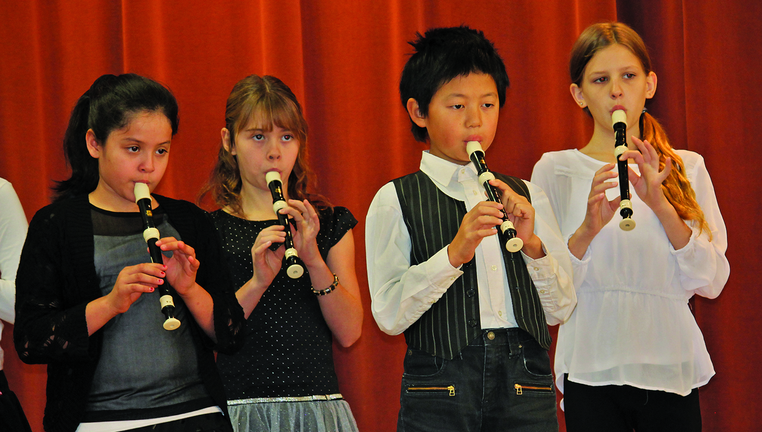 Flute players cropped