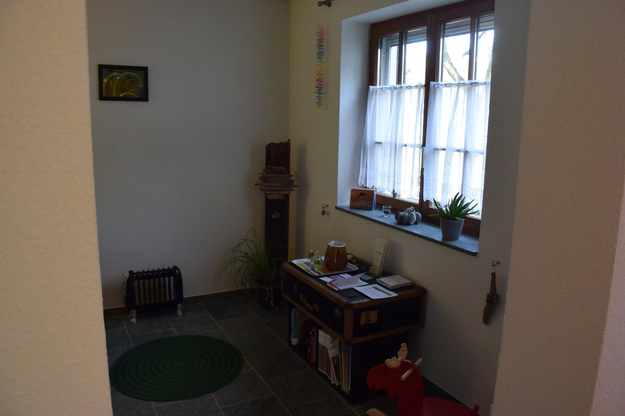 DSC_2232 Office.JPG