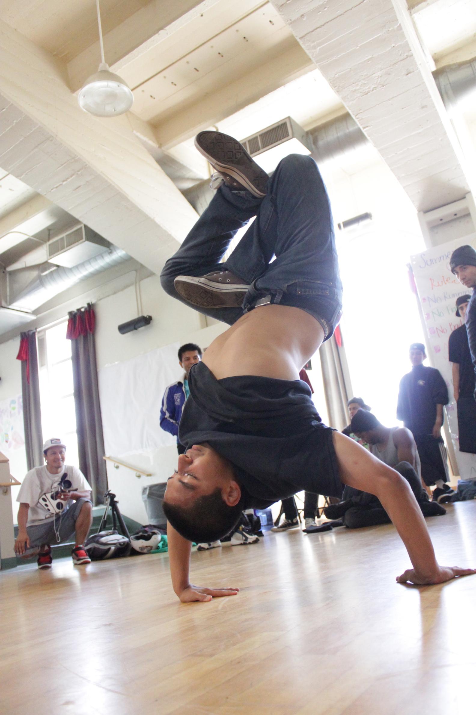 JUiCE Los Angeles Hip Hop Nonprofit Breakdance Music Art Community Youth Breakdance Los Angeles Bbboying Freeze.jpg