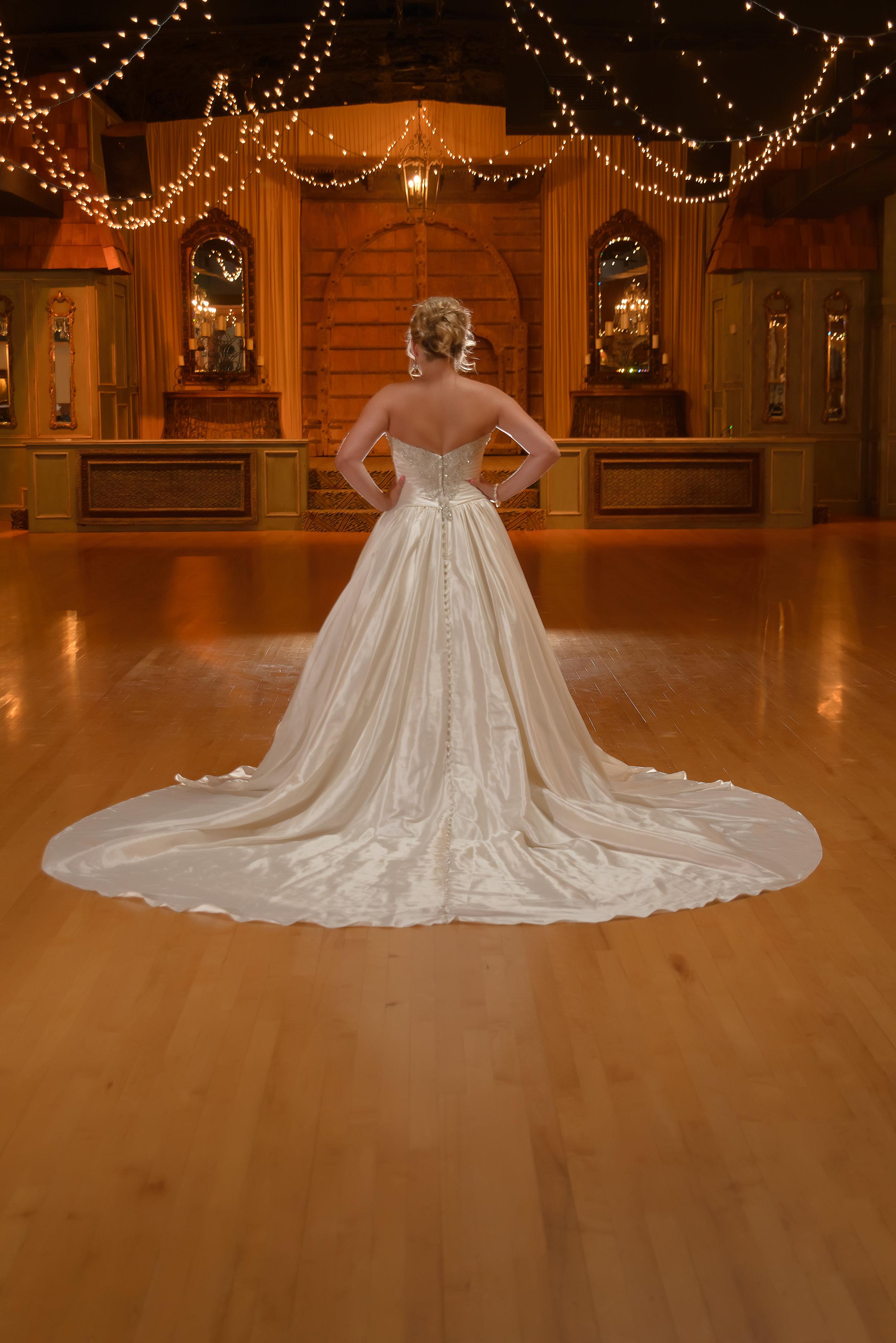 Bridal Pictures OKC photographer The Palace Event Center