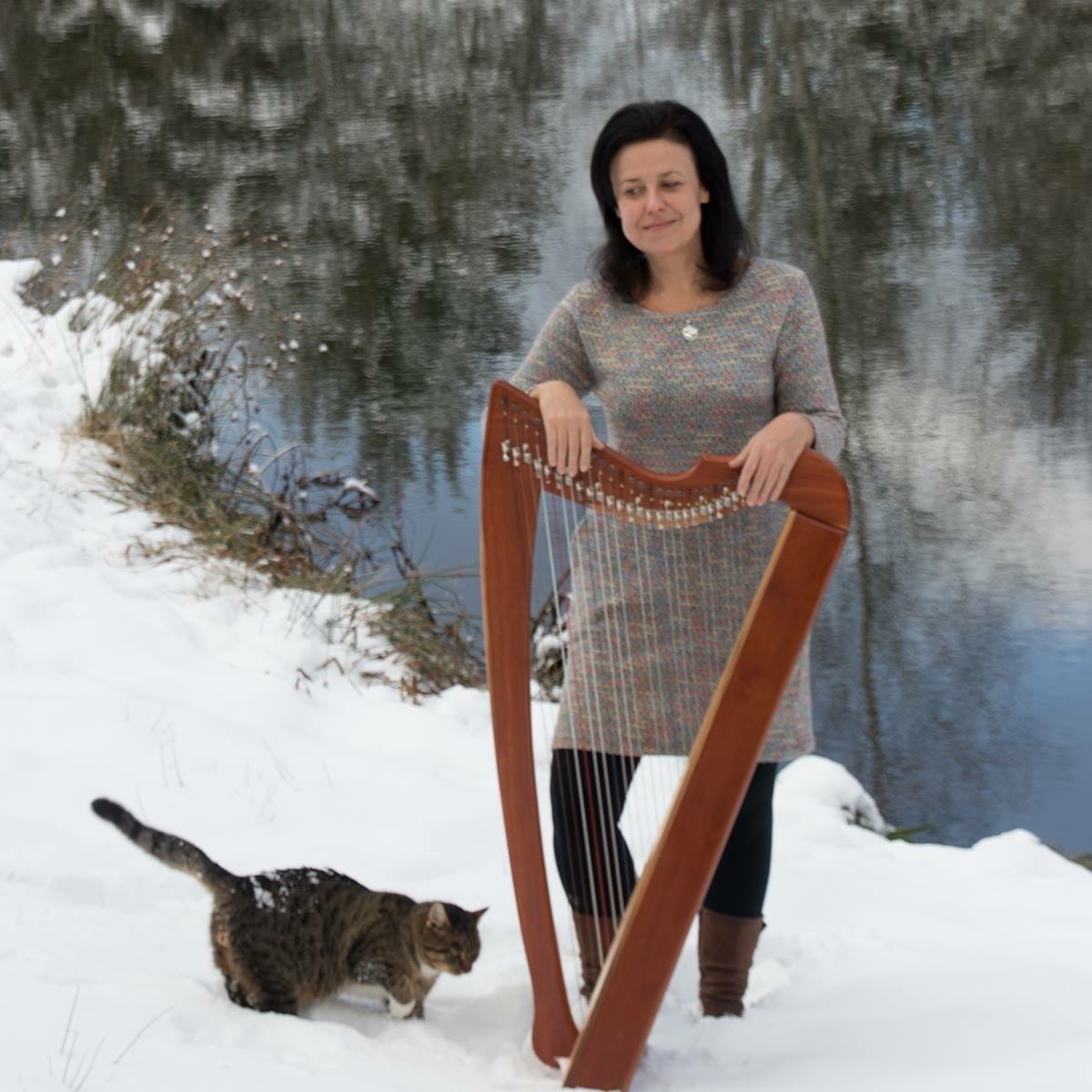 Cat photobomb! Jana Bauerova posing with her Rees Shaylee Meadows in cherry with full Rees sharping levers.