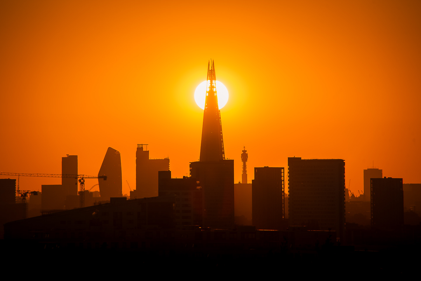 London skyline shard sun Huawei promo lowdsc_8043_OCUK.jpg