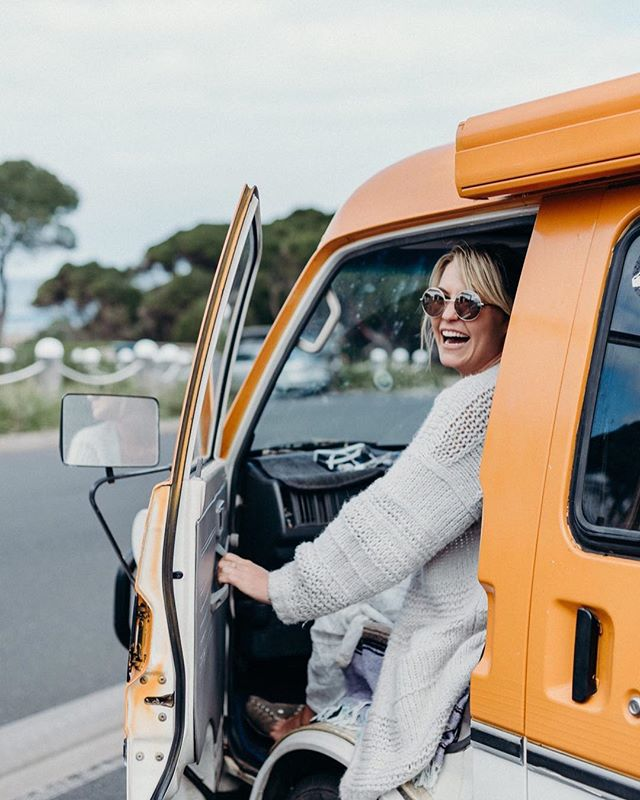 Have you ever asked someone to collaborate with you, even when you knew it was a long shot? Follow your curiosity and be bold. You might end up on an adventure. ⠀⠀⠀⠀⠀⠀⠀⠀⠀ This is Shannon, a bubbly, hilarious and genuine human who was one of our favourites on Nick Cummin's season of the Bachelor. ⠀⠀⠀⠀⠀⠀⠀⠀⠀ When we saw she was doing van life in Australia, we reached out and asked if she'd make a video with us. ⠀⠀⠀⠀⠀⠀⠀⠀⠀ To our surprise, she agreed and we spent an awesome night and day together jamming, getting away with free camping, throwing a frisbee and filming a video. ⠀⠀⠀⠀⠀⠀⠀⠀⠀ #VanLife looks different for everyone, but it's incredible meeting people who have chosen it for the same reasons. Adventure, experiencing more nature, and getting away from it all to really know yourself. 🚐