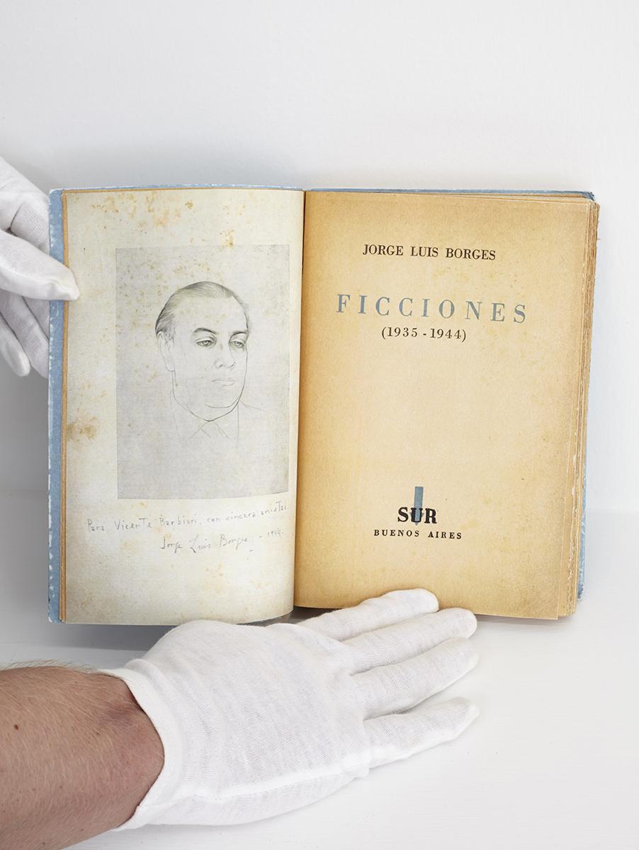 Ficciones_book2.jpg