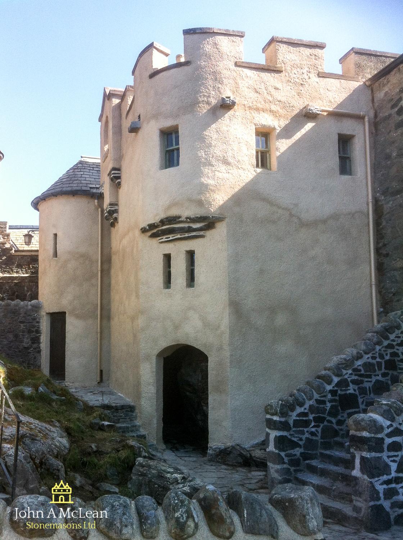Eilean Donan Castle - Courtyard limeworks