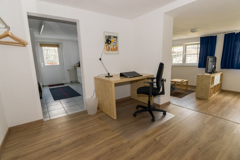 Apartment / Arbeitsplatz / Küche