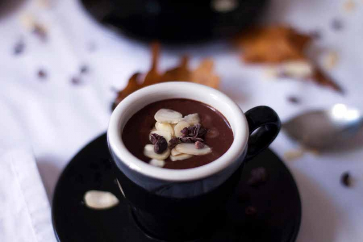 How to make Raw Vegan Chocolate Pud - The Little Plantation
