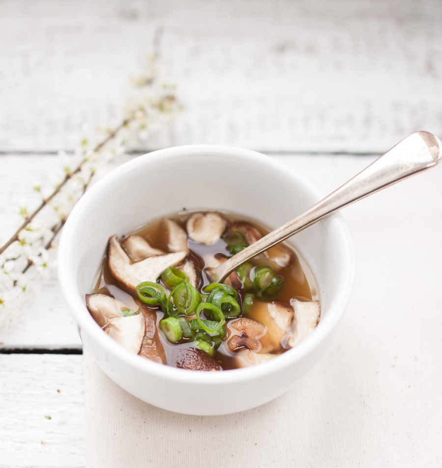 Vegan Miso Soup with Shiitake Mushrooms - The Little Plantation