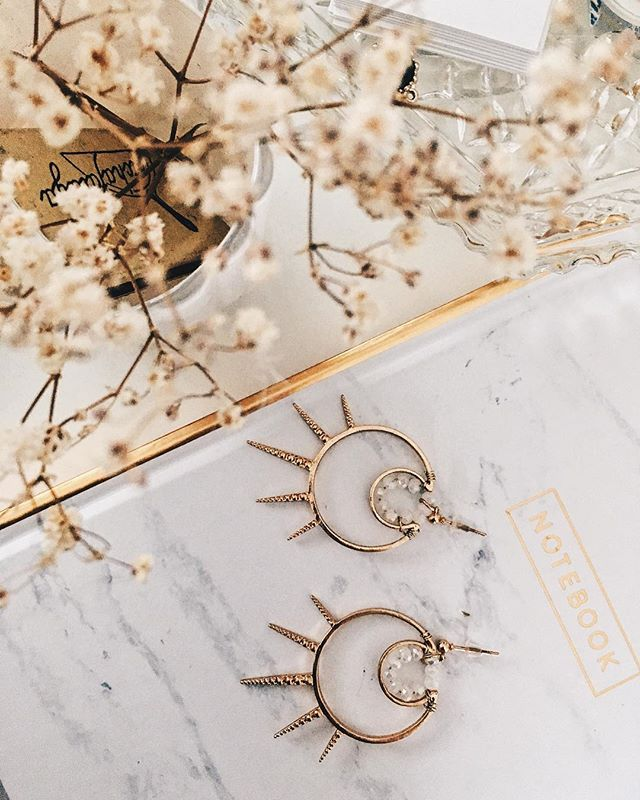 Switch up the classic hoops with some graphic shapes. Adding these to the new collection.  DM me for details :) ⠀⠀⠀⠀⠀⠀⠀⠀⠀ #musemejewelry #accessories #earrings #atx