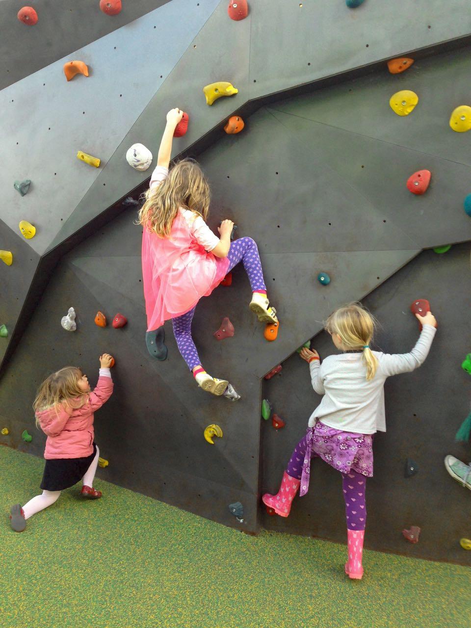 Kids bouldering.jpg