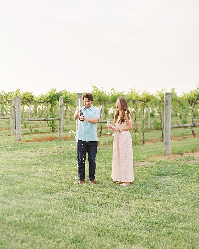 Pop the champagne 🍾🥂 Meghan + Madison are on the blog!! Check out more of this adorable Kentucky engagement session, the link is in bio! . #laurabodnarphotography #photovisionprints #mykentuckybride #lbpengaged