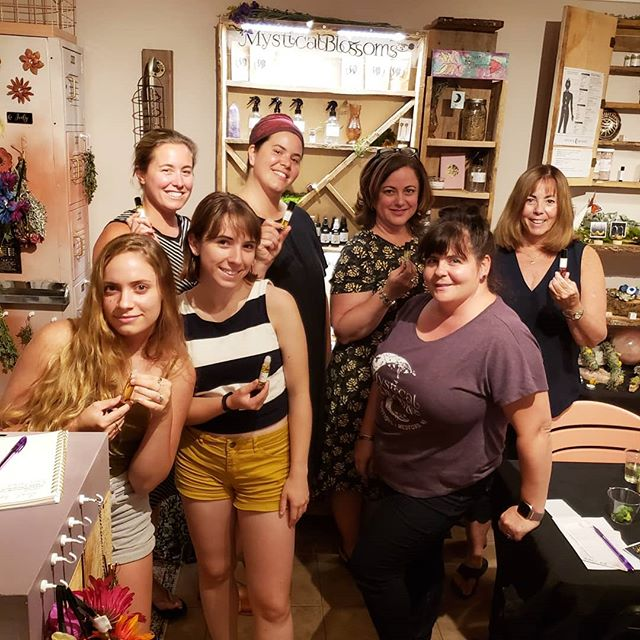 We had a wonderful time at our first essential oil roller ball making session with @mysticalblossoms in their dreamy cottage last night! We set our intentions + hopes,  picked our pretty crystals and botanicals, and finished off with adding drops of our favorite essential oils. We started the session with a mini meditation led by Jody + her sound bowl and it was magic ✨🌙🌠🥰 (2 spots left for our last session this Saturday on our website!)
