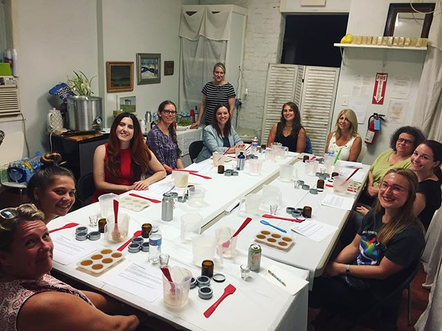Makers had the BEST time with Maureen of @hildegardandblaise making solid lotion bars and salve. Looking forward to the next sold out Session with Maureen next weekend! 💕🌸🌺. @shophaddon @goose_nails @hildegardandblaise