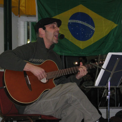 "Fernando Holz performing at ""Resgatando Talentos"""