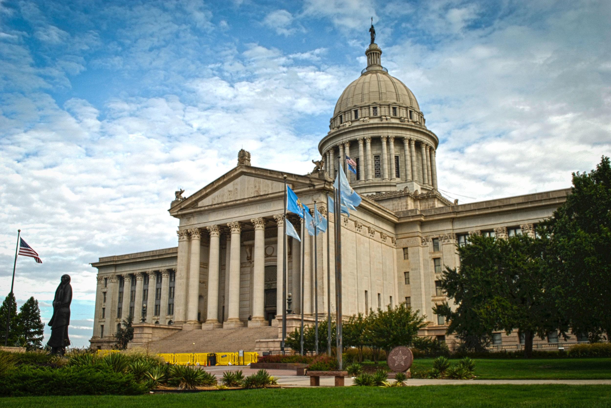 Oklahoma_Capitol_building.jpg