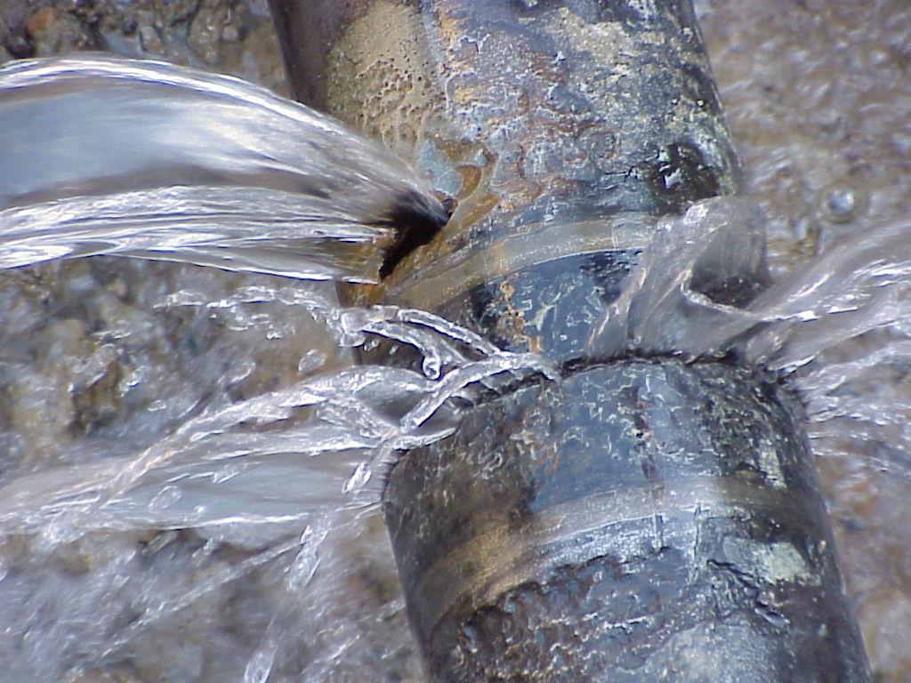 broken water line 01.jpg