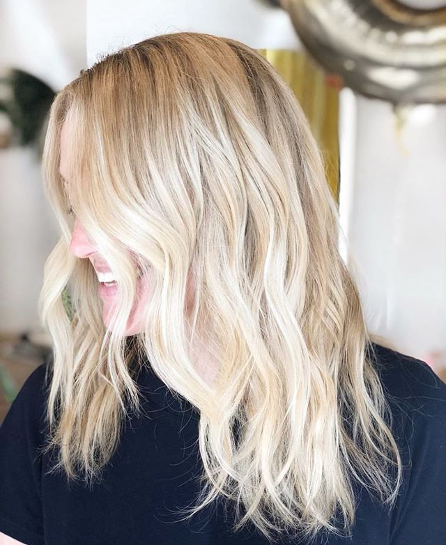 Yes, it is time for the brightness to shine! Who's ready for some hair sparkle?? This one is done by our @heygreathair