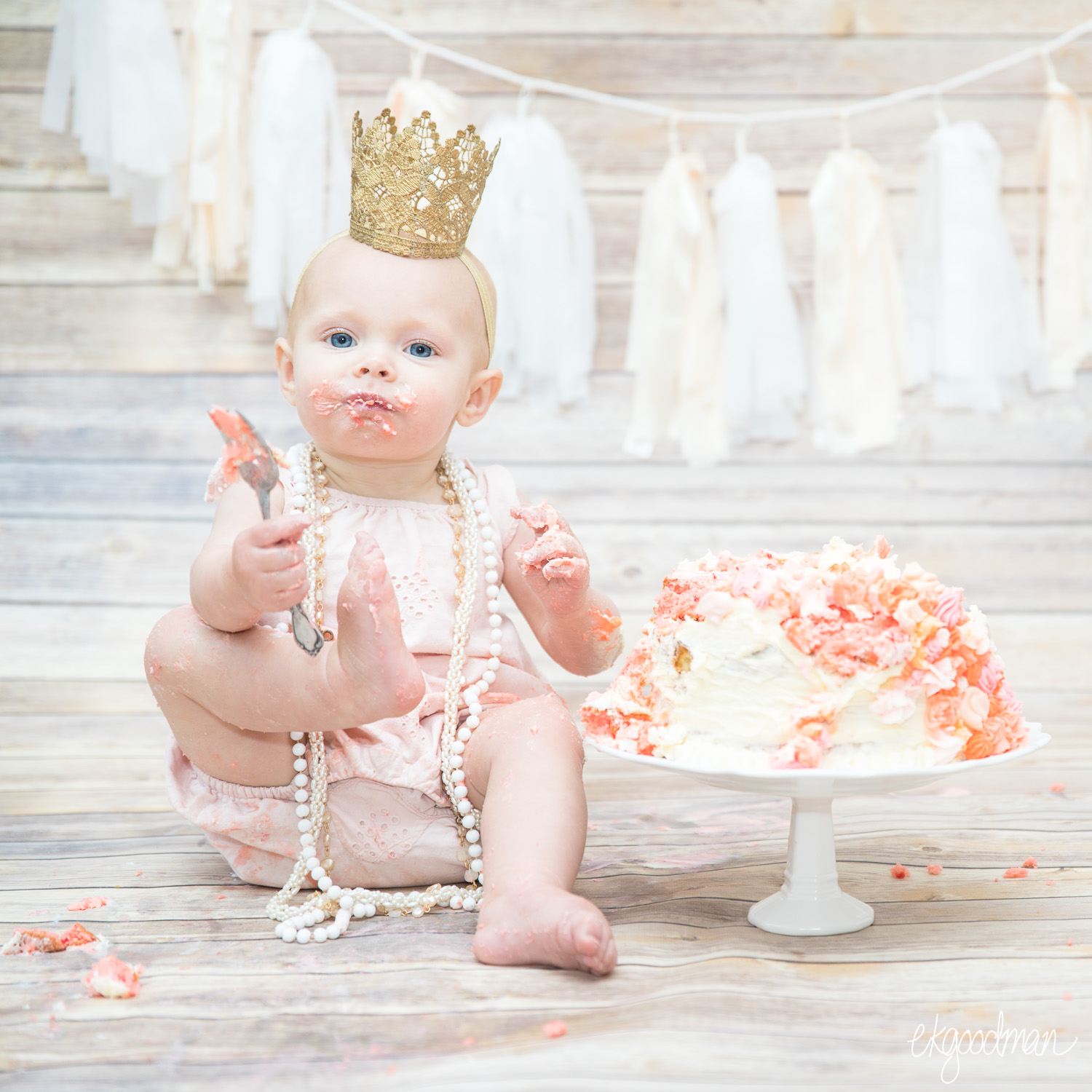 You can have your cake and eat it too - Vintage and pearls and a first birthday cake smash fit for a princess!