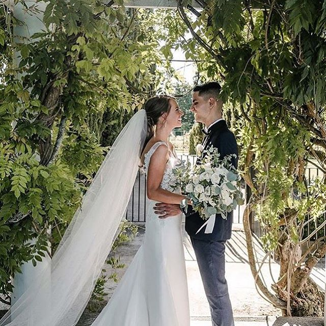 Happy first wedding Anniversary to E & D for tomorrow! A year has passed so quickly! Hope each year gets better! 💐 @toembellisheventdecor 📷 @charmainevisuals #happyfirstweddinganniversary #weddinganniversary #happycouple #weddingflowers
