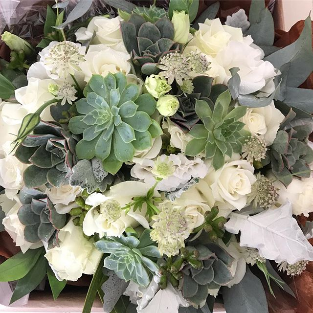 S's beautiful rose and succulent bouquet. Loved the classic colours with a twist. #succulentbouquet #succulents #bridalbouquet #melbourneweddingflorist #classicboutique #modernbouquet #toembellish
