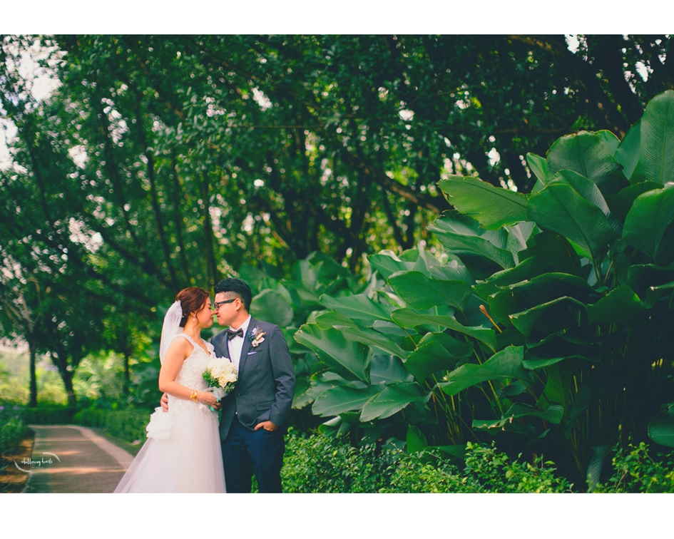 Sarah & Duncan's Romantic Wedding Photography Style | Wedding Couples in Shuttering Hearts
