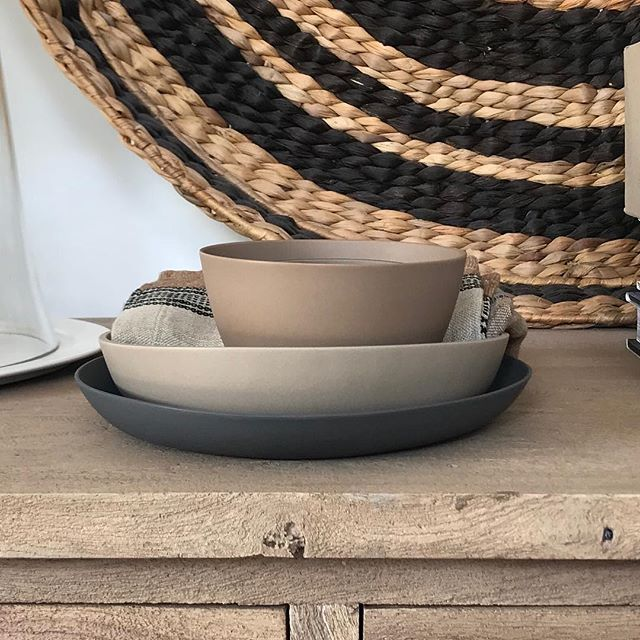 Coffee and Charcoal . . #canvasclothbowl #canvasclothandbowl #bowl #porcelain #love #artist #adelaide #centralmarket #timber #warmtones #interiordesign #homedecor #homewares #clay #designer #interiorarchitecture #belleinteriors #ausinteriors #australiandesign #australiainteriors #interiordesign #interiordecorating #chistmas #libeco #linen #fabric #belgianlinen #handmade