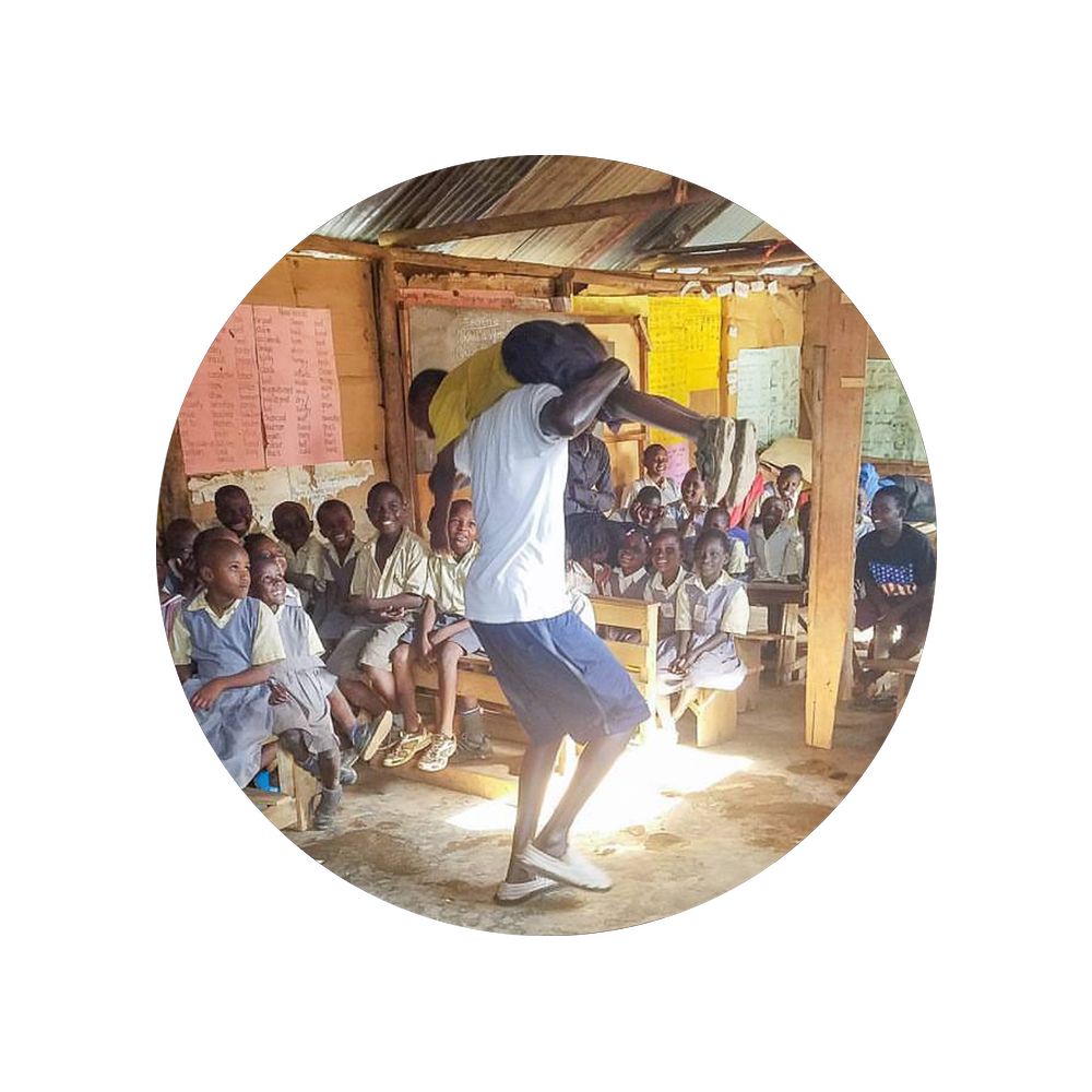 Volunteer with Kitiibwa Ministries in Kampala slums