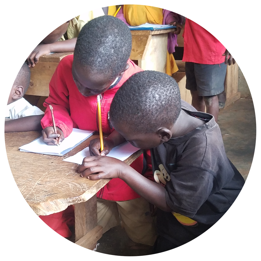 Be a penal with children in Kampala